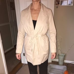 Forever 21 wow tan trench coat size small!
